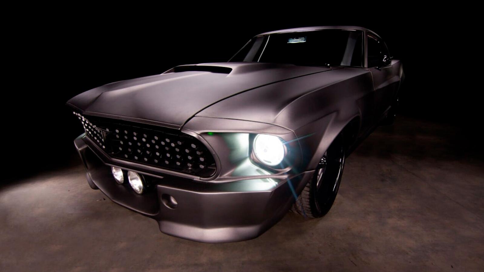 Carro com peças personalizadas a partir da impressão 3D pelo Tarso Marques
